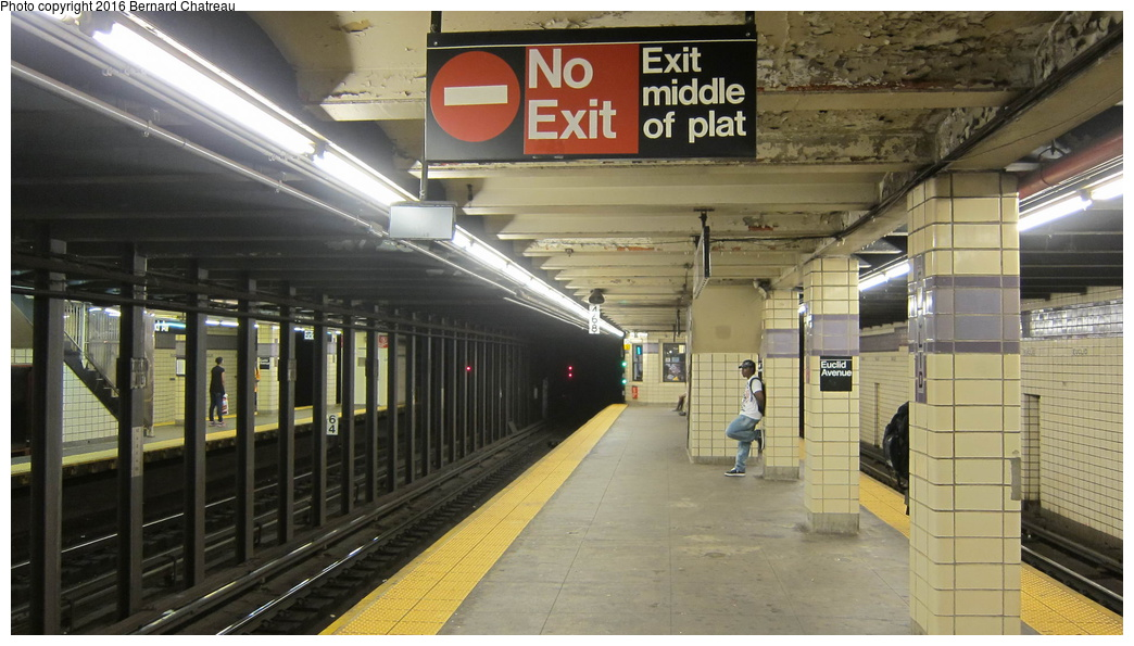 (262k, 1044x595)<br><b>Country:</b> United States<br><b>City:</b> New York<br><b>System:</b> New York City Transit<br><b>Line:</b> IND Fulton Street Line<br><b>Location:</b> Euclid Avenue<br><b>Photo by:</b> Bernard Chatreau<br><b>Date:</b> 9/25/2011<br><b>Viewed (this week/total):</b> 0 / 934