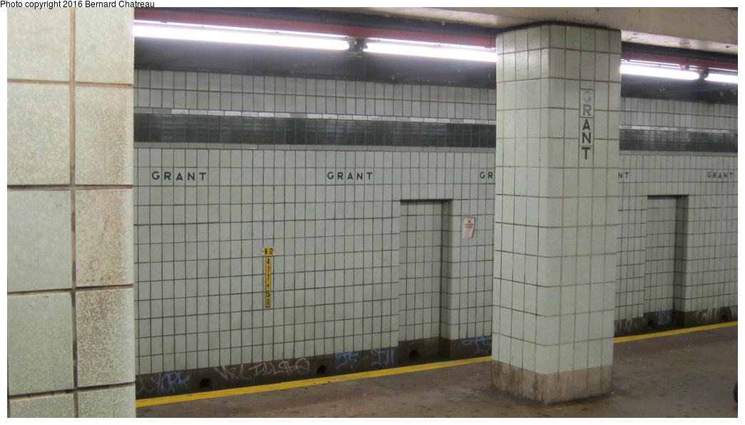 (209k, 1044x595)<br><b>Country:</b> United States<br><b>City:</b> New York<br><b>System:</b> New York City Transit<br><b>Line:</b> IND Fulton Street Line<br><b>Location:</b> Grant Avenue<br><b>Photo by:</b> Bernard Chatreau<br><b>Date:</b> 9/25/2011<br><b>Viewed (this week/total):</b> 0 / 1367