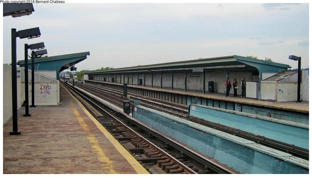 (240k, 1044x594)<br><b>Country:</b> United States<br><b>City:</b> New York<br><b>System:</b> New York City Transit<br><b>Line:</b> IND Fulton Street Line<br><b>Location:</b> 88th Street-Boyd Avenue<br><b>Photo by:</b> Bernard Chatreau<br><b>Date:</b> 9/25/2011<br><b>Viewed (this week/total):</b> 4 / 850