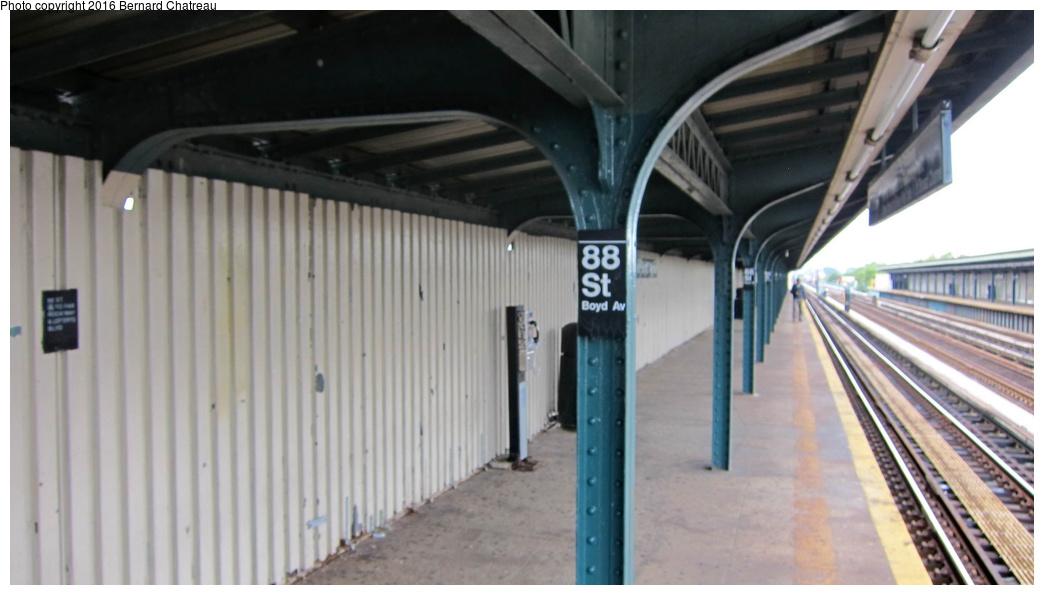 (193k, 1044x595)<br><b>Country:</b> United States<br><b>City:</b> New York<br><b>System:</b> New York City Transit<br><b>Line:</b> IND Fulton Street Line<br><b>Location:</b> 88th Street-Boyd Avenue<br><b>Photo by:</b> Bernard Chatreau<br><b>Date:</b> 9/25/2011<br><b>Viewed (this week/total):</b> 0 / 730