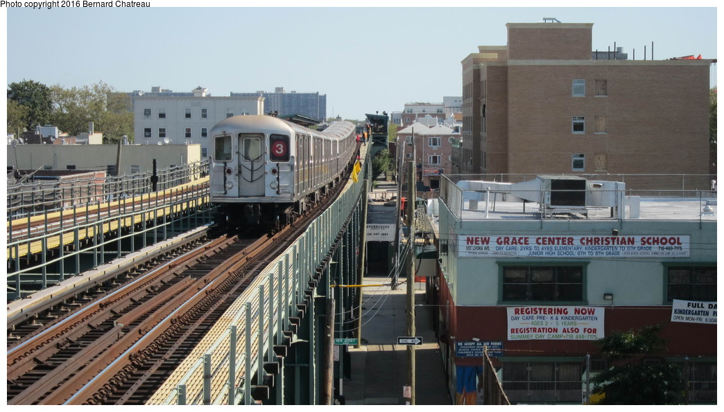 (278k, 1044x595)<br><b>Country:</b> United States<br><b>City:</b> New York<br><b>System:</b> New York City Transit<br><b>Line:</b> IRT Brooklyn Line<br><b>Location:</b> Pennsylvania Avenue<br><b>Route:</b> 3<br><b>Car:</b> R-62 (Kawasaki, 1983-1985)  <br><b>Photo by:</b> Bernard Chatreau<br><b>Date:</b> 10/5/2011<br><b>Viewed (this week/total):</b> 0 / 1056