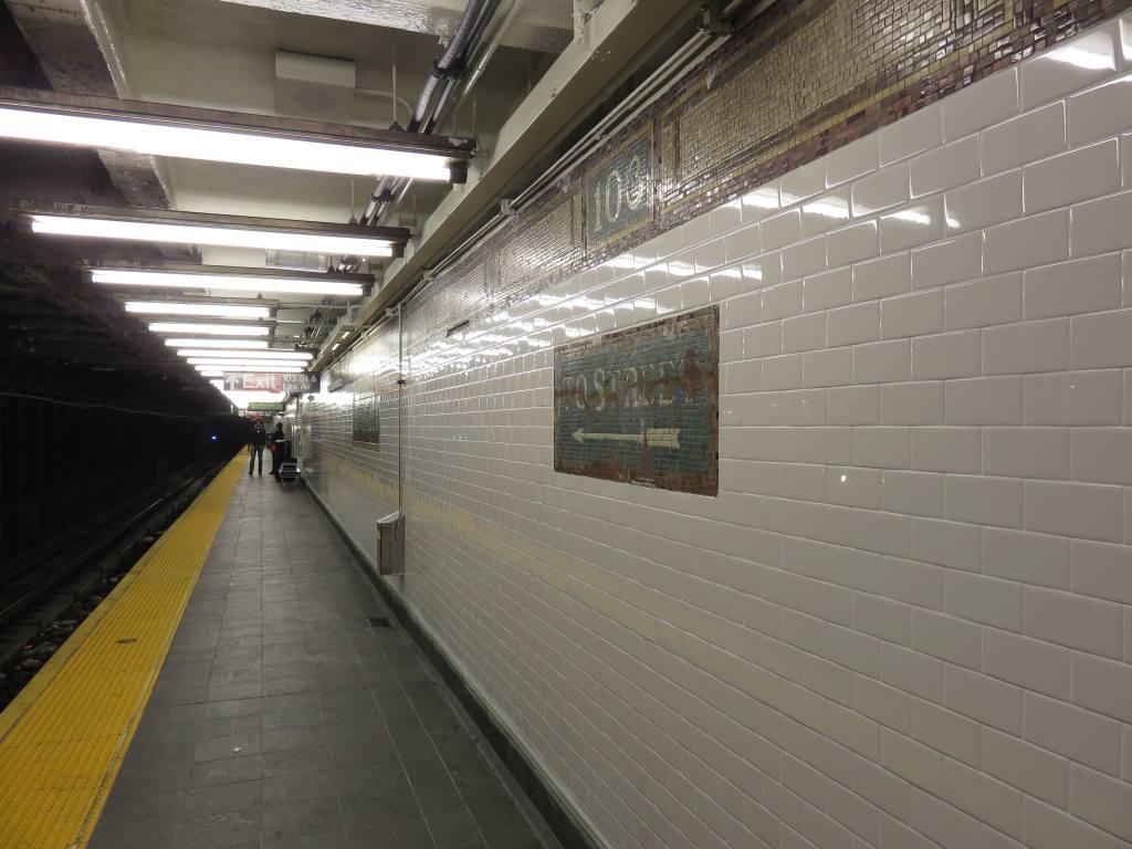 (113k, 1024x768)<br><b>Country:</b> United States<br><b>City:</b> New York<br><b>System:</b> New York City Transit<br><b>Line:</b> IRT East Side Line<br><b>Location:</b> 103rd Street<br><b>Photo by:</b> Robbie Rosenfeld<br><b>Date:</b> 10/11/2015<br><b>Notes:</b> Platform view.<br><b>Viewed (this week/total):</b> 1 / 1558