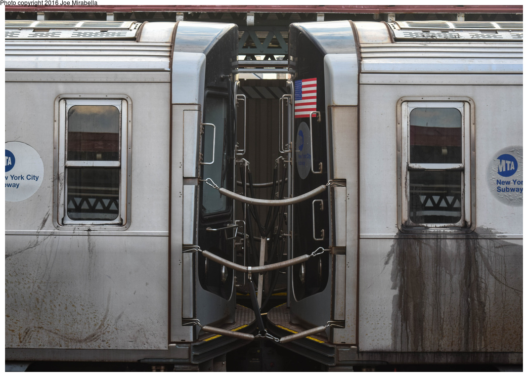 (321k, 1044x745)<br><b>Country:</b> United States<br><b>City:</b> New York<br><b>System:</b> New York City Transit<br><b>Line:</b> BMT Astoria Line<br><b>Location:</b> 36th/Washington Aves.<br><b>Route:</b> N<br><b>Car:</b> R-160A/R-160B Series (Number Unknown)  <br><b>Photo by:</b> Joe Mirabella<br><b>Date:</b> 6/25/2016<br><b>Viewed (this week/total):</b> 4 / 1496