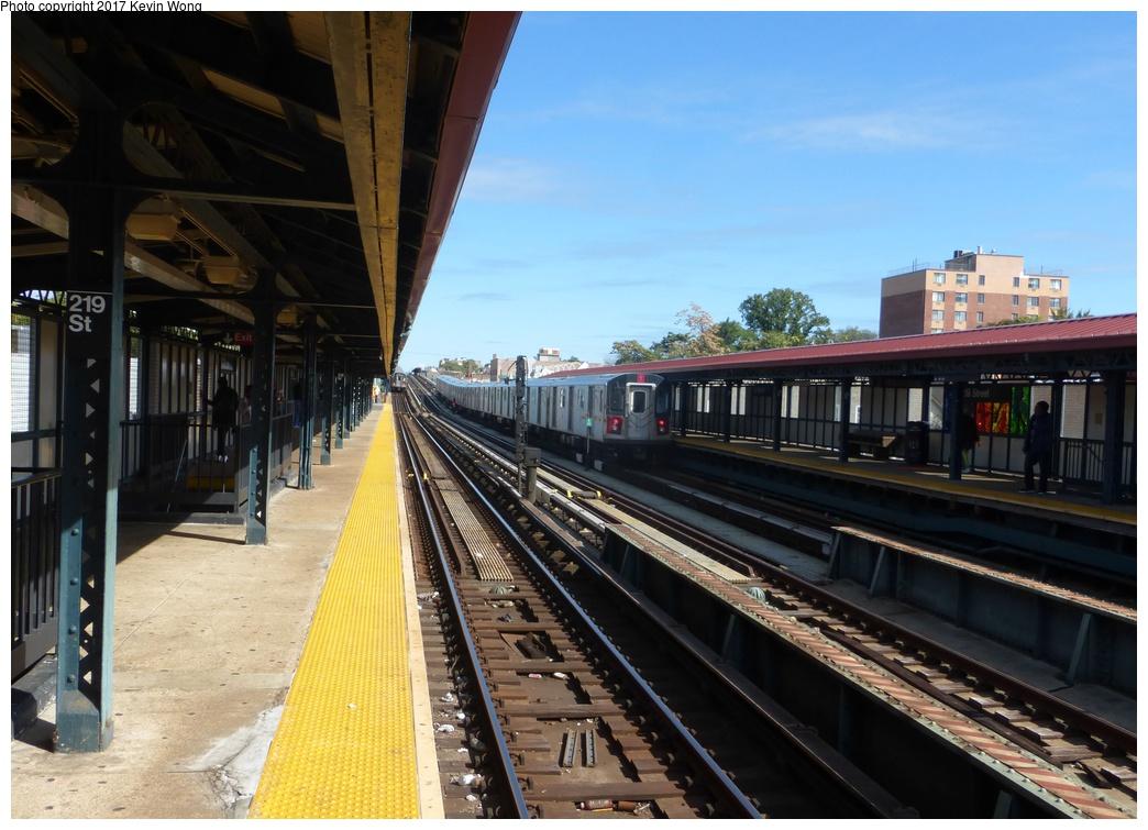 (302k, 1044x755)<br><b>Country:</b> United States<br><b>City:</b> New York<br><b>System:</b> New York City Transit<br><b>Line:</b> IRT White Plains Road Line<br><b>Location:</b> 219th Street<br><b>Photo by:</b> Kevin Wong<br><b>Date:</b> 10/6/2015<br><b>Viewed (this week/total):</b> 0 / 873
