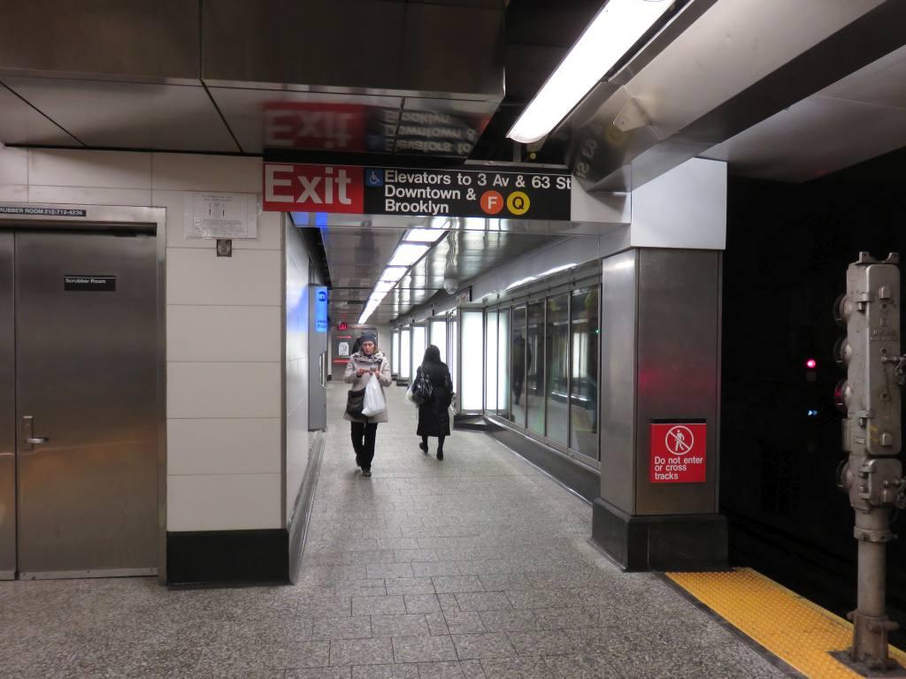 (105k, 1024x768)<br><b>Country:</b> United States<br><b>City:</b> New York<br><b>System:</b> New York City Transit<br><b>Line:</b> IND 63rd Street Line<br><b>Location:</b> Lexington Avenue-63rd Street<br><b>Photo by:</b> Robbie Rosenfeld<br><b>Date:</b> 1/11/2017<br><b>Notes:</b> New 3rd Avenue entry/exit.<br><b>Viewed (this week/total):</b> 2 / 933
