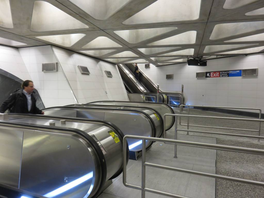 (108k, 1024x768)<br><b>Country:</b> United States<br><b>City:</b> New York<br><b>System:</b> New York City Transit<br><b>Line:</b> 2nd Avenue Subway<br><b>Location:</b> 86th Street<br><b>Photo by:</b> Robbie Rosenfeld<br><b>Date:</b> 1/11/2017<br><b>Notes:</b> Main escalator bank.<br><b>Viewed (this week/total):</b> 1 / 758
