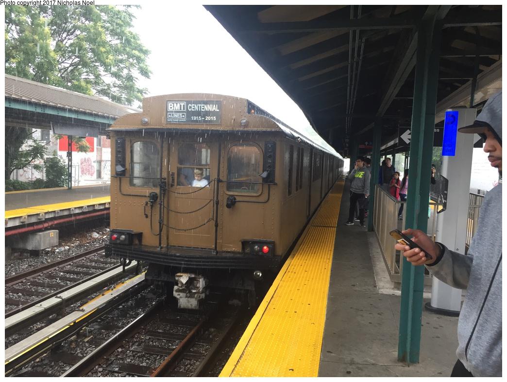(324k, 1044x788)<br><b>Country:</b> United States<br><b>City:</b> New York<br><b>System:</b> New York City Transit<br><b>Line:</b> BMT Brighton Line<br><b>Location:</b> Kings Highway<br><b>Route:</b> Museum Train Service<br><b>Car:</b> BMT D-Type Triplex 6095 <br><b>Photo by:</b> Nicholas Noel<br><b>Date:</b> 6/17/2017<br><b>Viewed (this week/total):</b> 0 / 1036