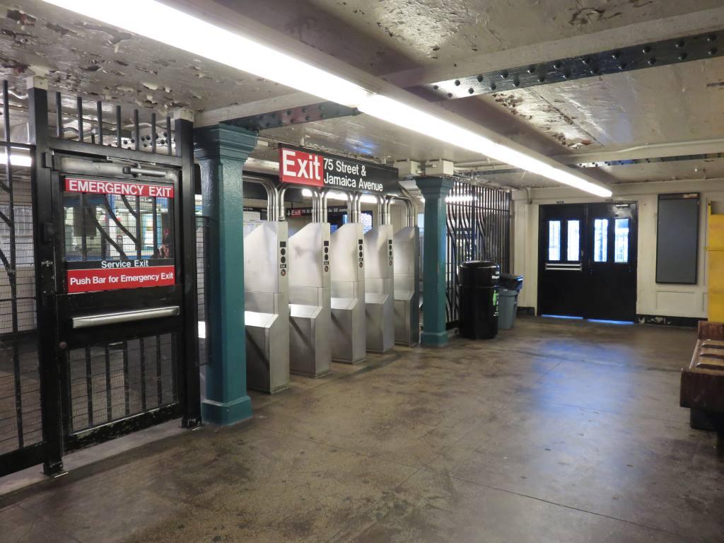 (126k, 1024x768)<br><b>Country:</b> United States<br><b>City:</b> New York<br><b>System:</b> New York City Transit<br><b>Line:</b> BMT Nassau Street-Jamaica Line<br><b>Location:</b> 75th Street/Elderts Lane<br><b>Photo by:</b> Robbie Rosenfeld<br><b>Date:</b> 2/23/2017<br><b>Viewed (this week/total):</b> 2 / 814