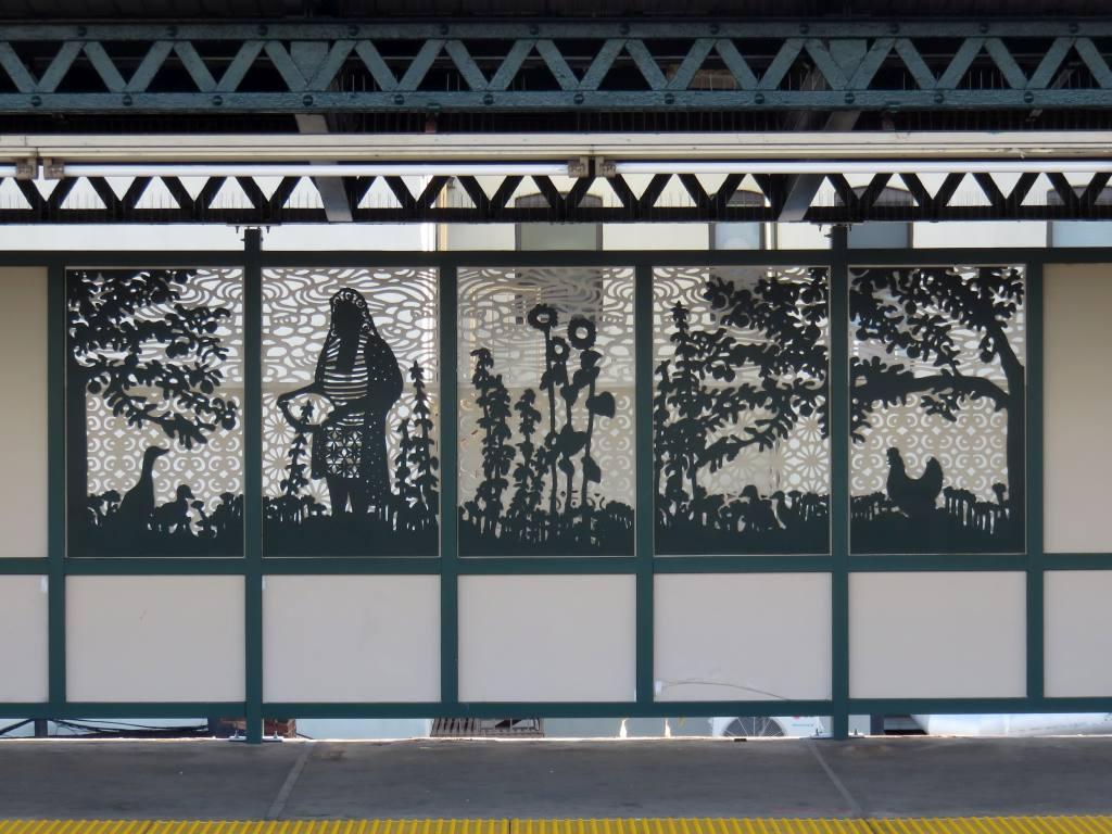(140k, 1024x768)<br><b>Country:</b> United States<br><b>City:</b> New York<br><b>System:</b> New York City Transit<br><b>Line:</b> IRT Brooklyn Line<br><b>Location:</b> Pennsylvania Avenue<br><b>Photo by:</b> Robbie Rosenfeld<br><b>Date:</b> 3/13/2017<br><b>Artwork:</b> <i>Urban Garden Rail</i>, Saya Woolfalk, 2017<br><b>Viewed (this week/total):</b> 0 / 799