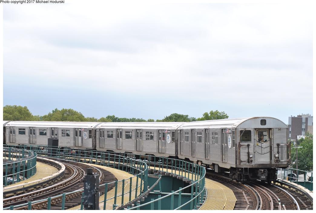 (245k, 1044x705)<br><b>Country:</b> United States<br><b>City:</b> New York<br><b>System:</b> New York City Transit<br><b>Line:</b> BMT Nassau Street-Jamaica Line<br><b>Location:</b> Cypress Hills<br><b>Route:</b> J<br><b>Car:</b> R-32 (Budd, 1964) 3698 <br><b>Photo by:</b> Michael Hodurski<br><b>Date:</b> 7/25/2017<br><b>Viewed (this week/total):</b> 2 / 788