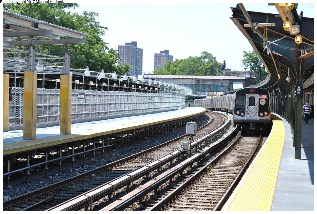 (468k, 1044x705)<br><b>Country:</b> United States<br><b>City:</b> New York<br><b>System:</b> New York City Transit<br><b>Line:</b> BMT Sea Beach Line<br><b>Location:</b> 8th Avenue<br><b>Route:</b> N<br><b>Car:</b> R-160B (Option 1) (Kawasaki, 2008-2009) 9152 <br><b>Photo by:</b> Michael Hodurski<br><b>Date:</b> 7/18/2017<br><b>Viewed (this week/total):</b> 1 / 1293
