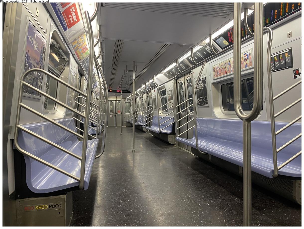 (458k, 1220x920)<br><b>Country:</b> United States<br><b>City:</b> New York<br><b>System:</b> New York City Transit<br><b>Route:</b> N<br><b>Car:</b> R-160B (Kawasaki, 2005-2008) 8920 <br><b>Photo by:</b> Nicholas Noel<br><b>Date:</b> 12/24/2020<br><b>Viewed (this week/total):</b> 7 / 161