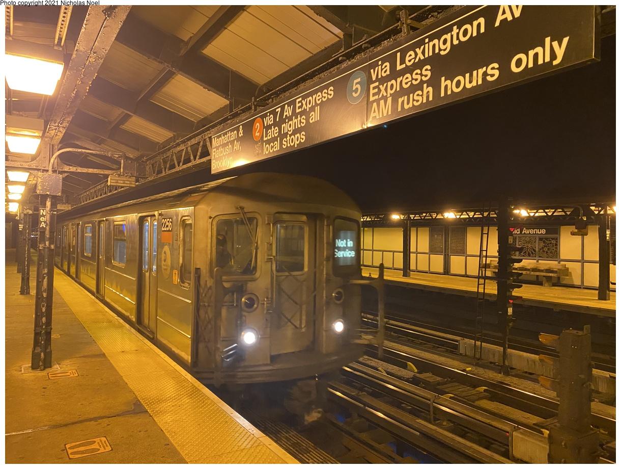 (418k, 1220x920)<br><b>Country:</b> United States<br><b>City:</b> New York<br><b>System:</b> New York City Transit<br><b>Line:</b> IRT White Plains Road Line<br><b>Location:</b> 238th Street (Nereid Avenue)<br><b>Car:</b> R-62A (Bombardier, 1984-1987) 2256 <br><b>Photo by:</b> Nicholas Noel<br><b>Date:</b> 1/11/2021<br><b>Viewed (this week/total):</b> 5 / 152