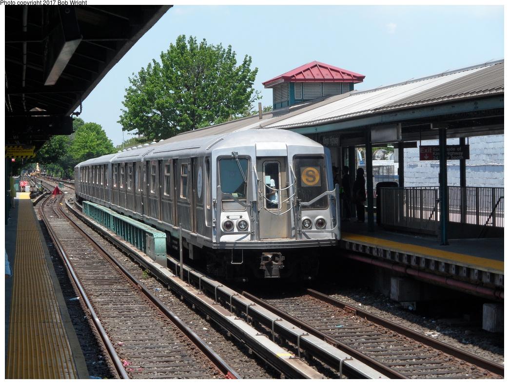 (408k, 1044x788)<br><b>Country:</b> United States<br><b>City:</b> New York<br><b>System:</b> New York City Transit<br><b>Line:</b> BMT Brighton Line<br><b>Location:</b> Kings Highway<br><b>Route:</b> Museum Train Service<br><b>Car:</b> R-40 (St. Louis, 1968) 4280 <br><b>Photo by:</b> Bob Wright<br><b>Date:</b> 6/25/2016<br><b>Viewed (this week/total):</b> 4 / 821