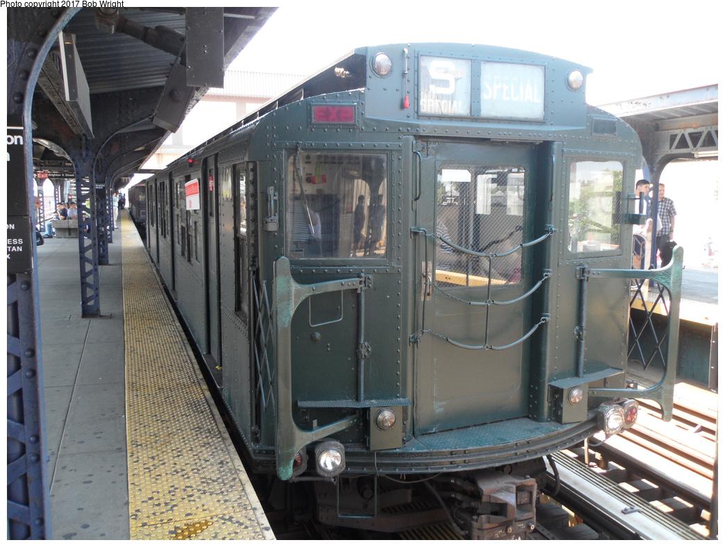 (355k, 1044x788)<br><b>Country:</b> United States<br><b>City:</b> New York<br><b>System:</b> New York City Transit<br><b>Line:</b> BMT Brighton Line<br><b>Location:</b> Brighton Beach<br><b>Route:</b> Museum Train Service<br><b>Car:</b> R-4 (American Car & Foundry, 1932-1933) 401 <br><b>Photo by:</b> Bob Wright<br><b>Date:</b> 6/25/2016<br><b>Viewed (this week/total):</b> 4 / 628