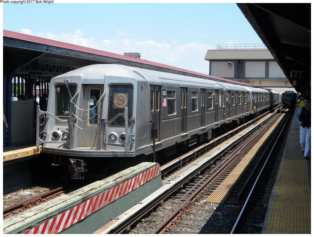 (381k, 1044x788)<br><b>Country:</b> United States<br><b>City:</b> New York<br><b>System:</b> New York City Transit<br><b>Line:</b> BMT Brighton Line<br><b>Location:</b> Brighton Beach<br><b>Route:</b> Museum Train Service<br><b>Car:</b> R-40 (St. Louis, 1968) 4280 <br><b>Photo by:</b> Bob Wright<br><b>Date:</b> 6/25/2016<br><b>Viewed (this week/total):</b> 3 / 728