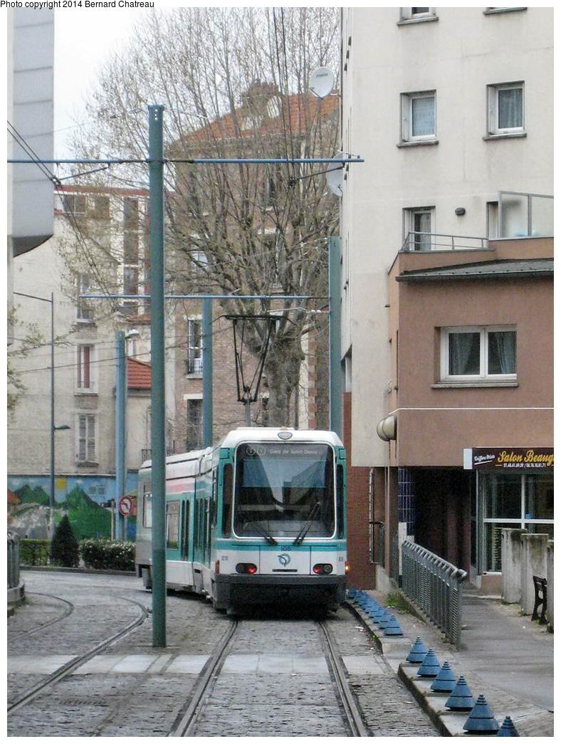 (371k, 788x1045)<br><b>Country:</b> France<br><b>City:</b> Paris<br><b>System:</b> RATP (Régie Autonome des Transports Parisiens)<br><b>Line:</b> Tram T1<br><b>Location:</b> Basilique de Saint-Denis (Hôtel de Ville)<br><b>Car:</b> Alstom TFS (Tramway Français Standard) 108 <br><b>Photo by:</b> Bernard Chatreau<br><b>Date:</b> 4/8/2009<br><b>Viewed (this week/total):</b> 0 / 130