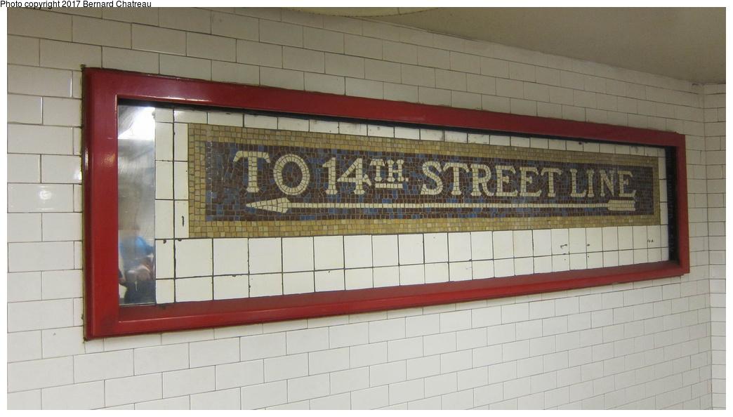 (214k, 1044x594)<br><b>Country:</b> United States<br><b>City:</b> New York<br><b>System:</b> New York City Transit<br><b>Line:</b> BMT Canarsie Line<br><b>Location:</b> Union Square<br><b>Photo by:</b> Bernard Chatreau<br><b>Date:</b> 4/8/2011<br><b>Viewed (this week/total):</b> 6 / 590