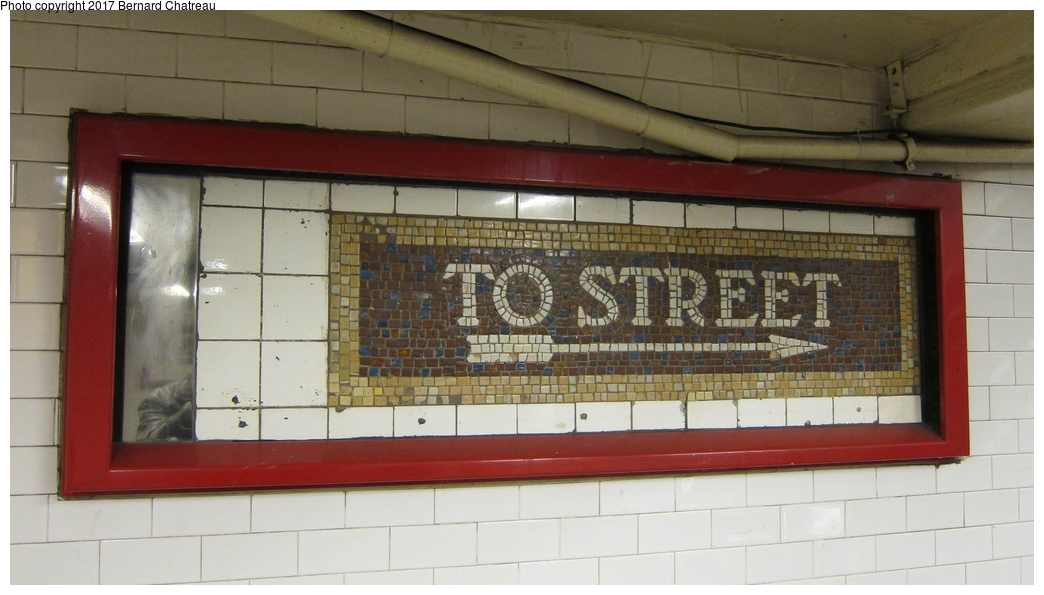 (219k, 1044x595)<br><b>Country:</b> United States<br><b>City:</b> New York<br><b>System:</b> New York City Transit<br><b>Line:</b> BMT Canarsie Line<br><b>Location:</b> Union Square<br><b>Photo by:</b> Bernard Chatreau<br><b>Date:</b> 4/8/2011<br><b>Viewed (this week/total):</b> 6 / 593