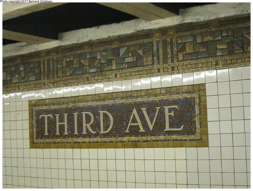 (307k, 1044x788)<br><b>Country:</b> United States<br><b>City:</b> New York<br><b>System:</b> New York City Transit<br><b>Line:</b> BMT Canarsie Line<br><b>Location:</b> 3rd Avenue<br><b>Photo by:</b> Bernard Chatreau<br><b>Date:</b> 4/11/2011<br><b>Viewed (this week/total):</b> 0 / 715