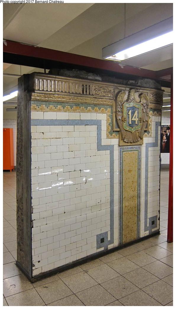 (241k, 595x1045)<br><b>Country:</b> United States<br><b>City:</b> New York<br><b>System:</b> New York City Transit<br><b>Line:</b> BMT Canarsie Line<br><b>Location:</b> Union Square<br><b>Photo by:</b> Bernard Chatreau<br><b>Date:</b> 9/25/2011<br><b>Viewed (this week/total):</b> 1 / 682