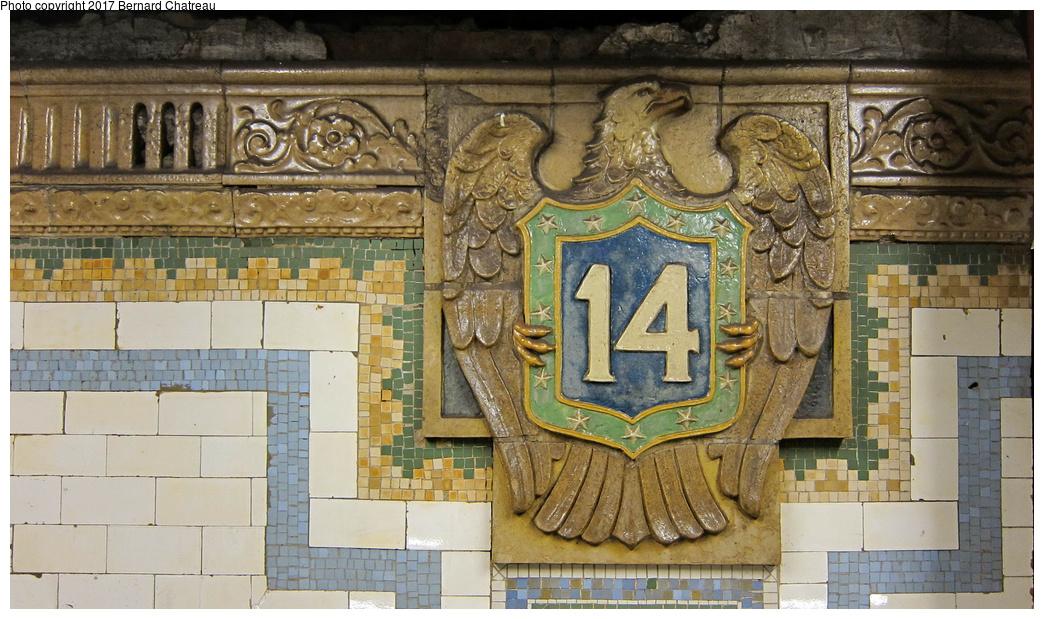 (331k, 1044x619)<br><b>Country:</b> United States<br><b>City:</b> New York<br><b>System:</b> New York City Transit<br><b>Line:</b> BMT Canarsie Line<br><b>Location:</b> Union Square<br><b>Photo by:</b> Bernard Chatreau<br><b>Date:</b> 9/25/2011<br><b>Viewed (this week/total):</b> 0 / 700