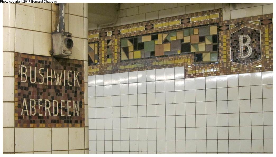 (233k, 1044x594)<br><b>Country:</b> United States<br><b>City:</b> New York<br><b>System:</b> New York City Transit<br><b>Line:</b> BMT Canarsie Line<br><b>Location:</b> Bushwick-Aberdeen<br><b>Photo by:</b> Bernard Chatreau<br><b>Date:</b> 9/25/2011<br><b>Viewed (this week/total):</b> 1 / 778