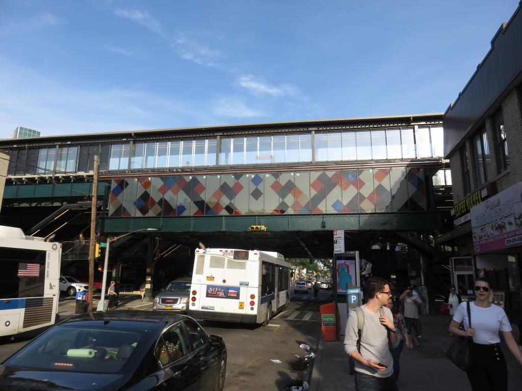 (115k, 1024x768)<br><b>Country:</b> United States<br><b>City:</b> New York<br><b>System:</b> New York City Transit<br><b>Line:</b> BMT Astoria Line<br><b>Location:</b> 30th/Grand Aves.<br><b>Photo by:</b> Robbie Rosenfeld<br><b>Date:</b> 6/26/2018<br><b>Artwork:</b> <i>Perasma I and II</i>, Stephen Westfall, 2018<br><b>Viewed (this week/total):</b> 0 / 946