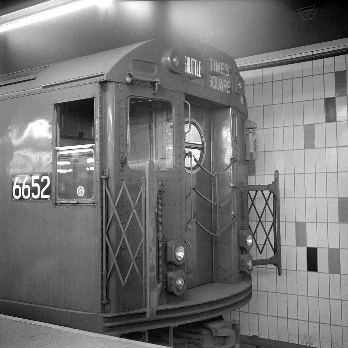 (575k, 1200x1200)<br><b>Country:</b> United States<br><b>City:</b> New York<br><b>System:</b> New York City Transit<br><b>Line:</b> IRT Times Square-Grand Central Shuttle<br><b>Location:</b> Grand Central<br><b>Route:</b> S<br><b>Car:</b> R-17 (St. Louis, 1955-56) 6652 <br><b>Collection of:</b> David Pirmann<br><b>Date:</b> 4/6/1968<br><b>Viewed (this week/total):</b> 1 / 376