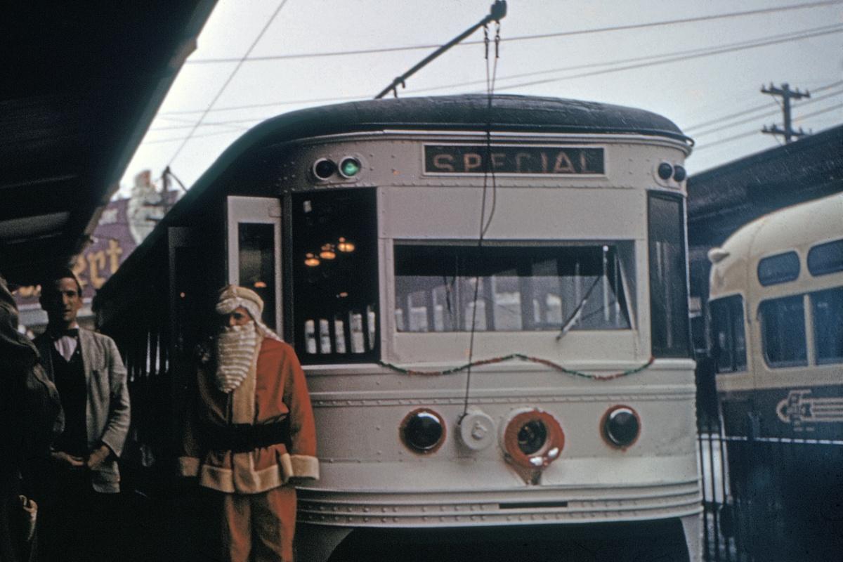 (390k, 1200x800)<br><b>Country:</b> United States<br><b>City:</b> Philadelphia, PA<br><b>System:</b> SEPTA (or Predecessor)<br><b>Line:</b> Rt. 101-Media/102-Sharon Hill<br><b>Location:</b> 69th Street<br><b>Car:</b> PSTC Master Unit Suburban (J.G. Brill, 1932)  <br><b>Collection of:</b> David Pirmann<br><b>Date:</b> 12/1974<br><b>Viewed (this week/total):</b> 1 / 95