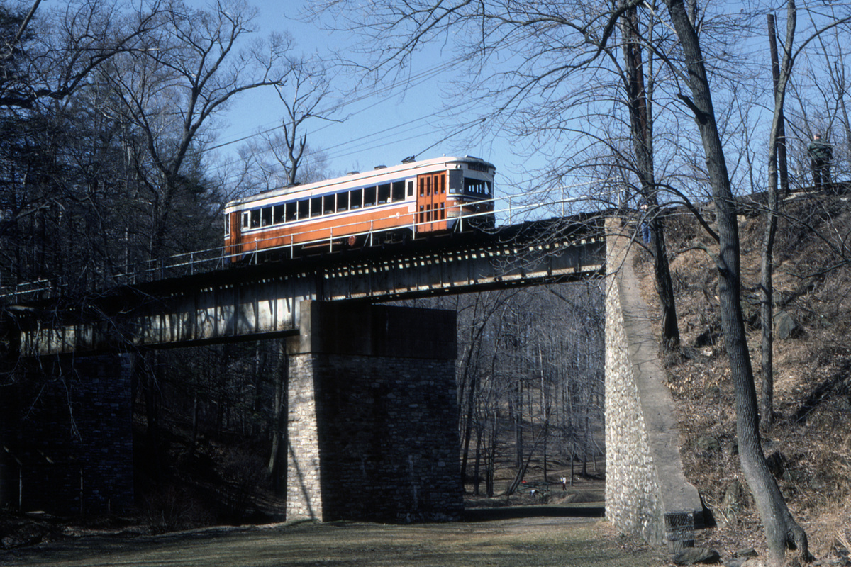(643k, 1200x800)<br><b>Country:</b> United States<br><b>City:</b> Philadelphia, PA<br><b>System:</b> SEPTA (or Predecessor)<br><b>Line:</b> Rt. 101-Media<br><b>Location:</b> Near Paper Mill Road/Smedley Park<br><b>Car:</b> PSTC Master Unit Suburban (J.G. Brill, 1932) 85 <br><b>Collection of:</b> David Pirmann<br><b>Date:</b> 3/1982<br><b>Viewed (this week/total):</b> 1 / 87
