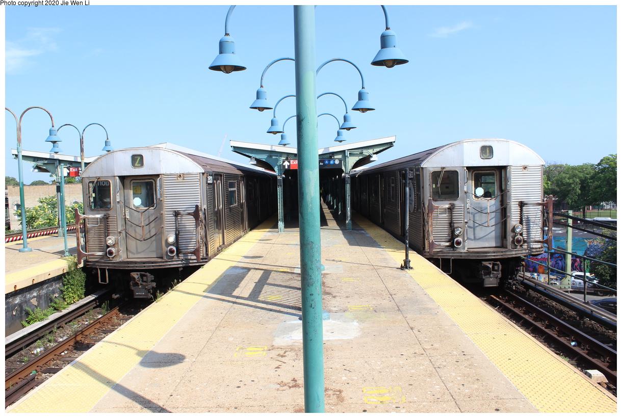 (458k, 1220x820)<br><b>Country:</b> United States<br><b>City:</b> New York<br><b>System:</b> New York City Transit<br><b>Line:</b> BMT Nassau Street-Jamaica Line<br><b>Location:</b> Broadway/East New York (Broadway Junction)<br><b>Route:</b> Z/J<br><b>Car:</b> R-32 (Budd, 1964) 3520/3933 <br><b>Photo by:</b> Jie Wen Li<br><b>Date:</b> 7/22/2020<br><b>Viewed (this week/total):</b> 3 / 323