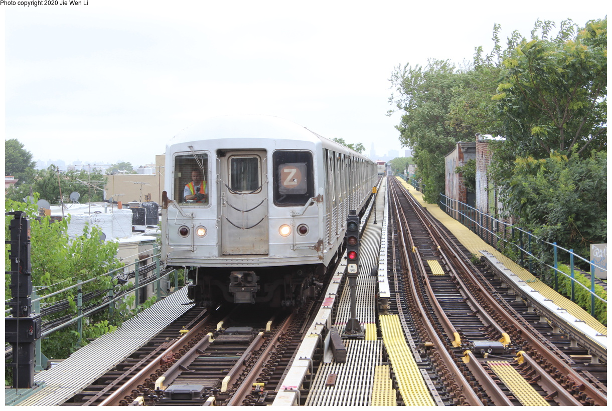 (508k, 1220x820)<br><b>Country:</b> United States<br><b>City:</b> New York<br><b>System:</b> New York City Transit<br><b>Line:</b> BMT Myrtle Avenue Line<br><b>Location:</b> Fresh Pond Road<br><b>Route:</b> Z<br><b>Car:</b> R-42 (St. Louis, 1969-1970) 4805 <br><b>Photo by:</b> Jie Wen Li<br><b>Date:</b> 7/22/2018<br><b>Notes:</b> J to Metropolitan Ave. G.O.<br><b>Viewed (this week/total):</b> 0 / 202