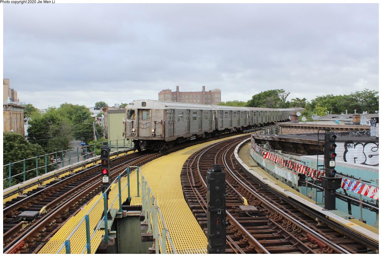 (484k, 1220x820)<br><b>Country:</b> United States<br><b>City:</b> New York<br><b>System:</b> New York City Transit<br><b>Line:</b> BMT Myrtle Avenue Line<br><b>Location:</b> Seneca Avenue<br><b>Route:</b> J<br><b>Car:</b> R-32 (Budd, 1964) 3455 <br><b>Photo by:</b> Jie Wen Li<br><b>Date:</b> 7/22/2018<br><b>Notes:</b> J to Metropolitan Ave. G.O.<br><b>Viewed (this week/total):</b> 1 / 197