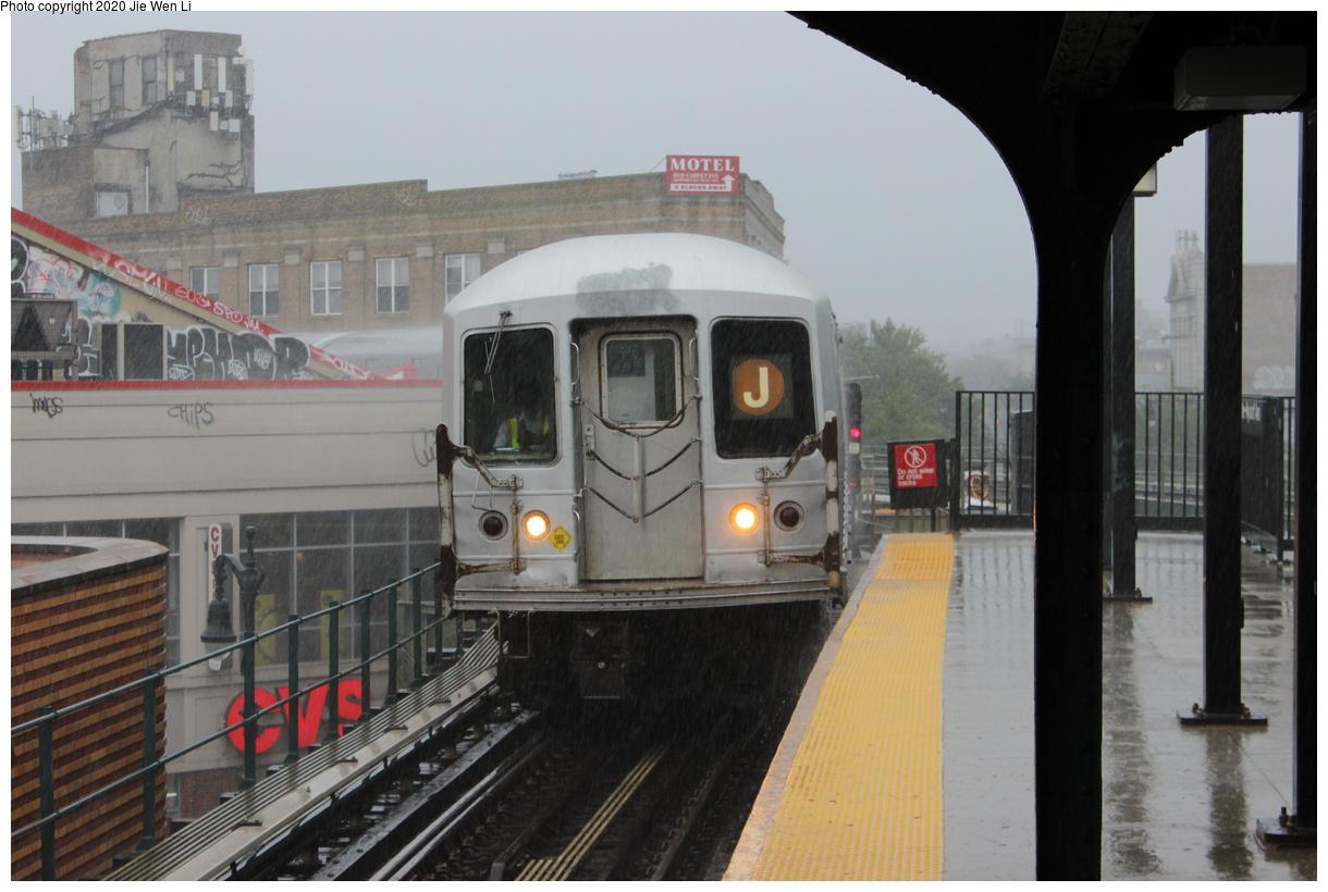 (343k, 1220x820)<br><b>Country:</b> United States<br><b>City:</b> New York<br><b>System:</b> New York City Transit<br><b>Line:</b> BMT Myrtle Avenue Line<br><b>Location:</b> Wyckoff Avenue<br><b>Route:</b> J<br><b>Car:</b> R-42 (St. Louis, 1969-1970) 4833 <br><b>Photo by:</b> Jie Wen Li<br><b>Date:</b> 7/22/2018<br><b>Notes:</b> J to Metropolitan Ave. G.O.<br><b>Viewed (this week/total):</b> 0 / 201