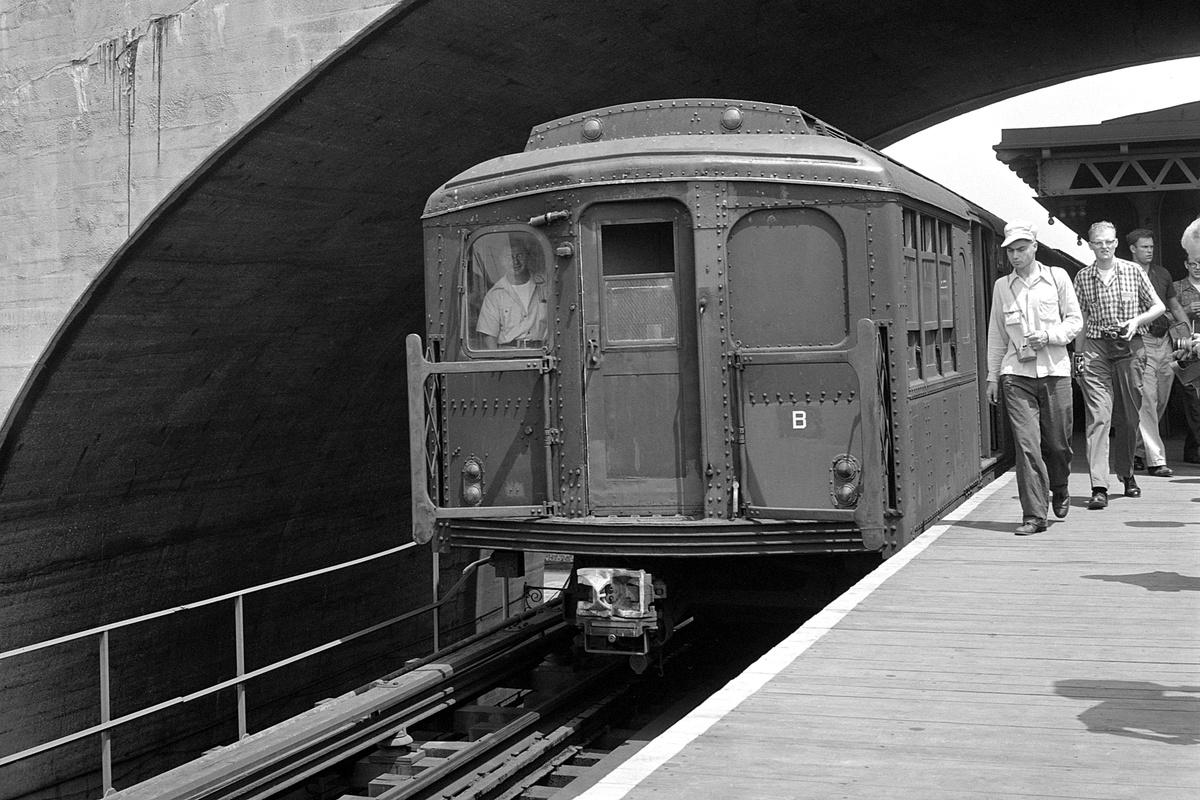 (401k, 1200x800)<br><b>Country:</b> United States<br><b>City:</b> New York<br><b>System:</b> New York City Transit<br><b>Line:</b> BMT Astoria Line<br><b>Location:</b> Ditmars Boulevard<br><b>Route:</b> Fan Trip<br><b>Car:</b> BMT A/B-Type Standard 24xx <br><b>Collection of:</b> David Pirmann<br><b>Date:</b> 7/22/1961<br><b>Viewed (this week/total):</b> 1 / 341