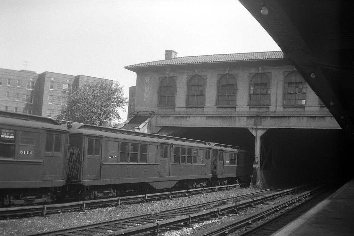 (303k, 1200x800)<br><b>Country:</b> United States<br><b>City:</b> New York<br><b>System:</b> New York City Transit<br><b>Line:</b> IRT Dyre Ave. Line<br><b>Location:</b> Morris Park<br><b>Car:</b> Low-V 5114-5105 <br><b>Collection of:</b> David Pirmann<br><b>Date:</b> 7/9/1961<br><b>Viewed (this week/total):</b> 0 / 275