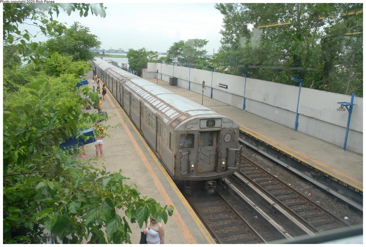 (509k, 1220x823)<br><b>Country:</b> United States<br><b>City:</b> New York<br><b>System:</b> New York City Transit<br><b>Line:</b> IND Rockaway Line<br><b>Location:</b> Broad Channel<br><b>Route:</b> A<br><b>Car:</b> R-38 (St. Louis, 1966-1967) 4071 <br><b>Photo by:</b> Richard Panse<br><b>Date:</b> 6/17/2006<br><b>Viewed (this week/total):</b> 1 / 210