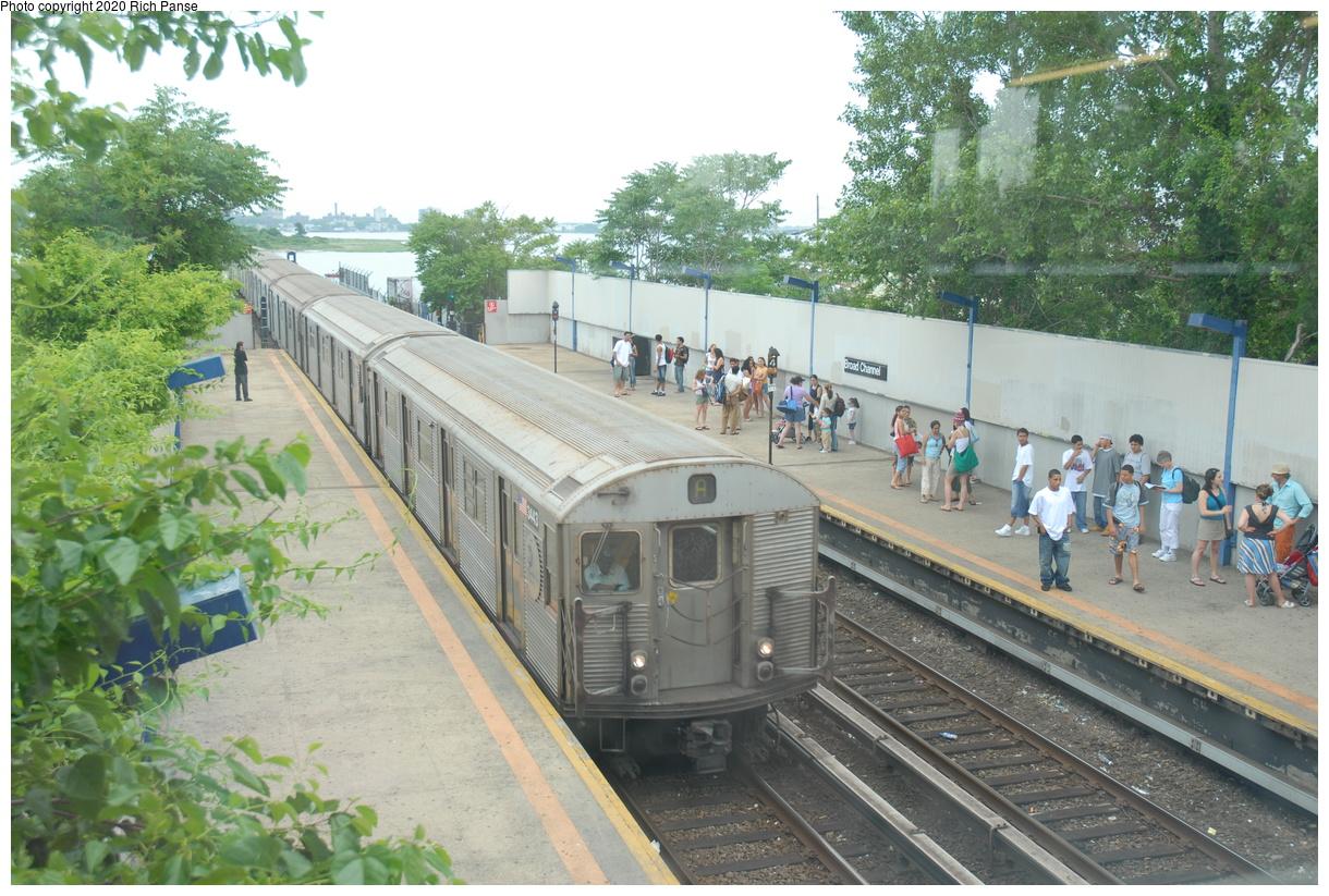 (490k, 1220x823)<br><b>Country:</b> United States<br><b>City:</b> New York<br><b>System:</b> New York City Transit<br><b>Line:</b> IND Rockaway Line<br><b>Location:</b> Broad Channel<br><b>Route:</b> A<br><b>Car:</b> R-32 (Budd, 1964) 3443 <br><b>Photo by:</b> Richard Panse<br><b>Date:</b> 6/17/2006<br><b>Viewed (this week/total):</b> 2 / 263