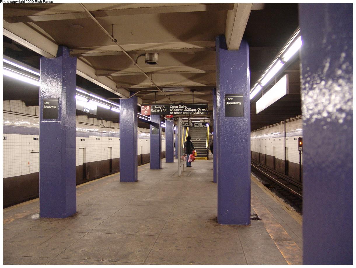 (494k, 1220x920)<br><b>Country:</b> United States<br><b>City:</b> New York<br><b>System:</b> New York City Transit<br><b>Line:</b> IND 6th Avenue Line<br><b>Location:</b> East Broadway<br><b>Photo by:</b> Richard Panse<br><b>Date:</b> 12/30/2005<br><b>Viewed (this week/total):</b> 1 / 99