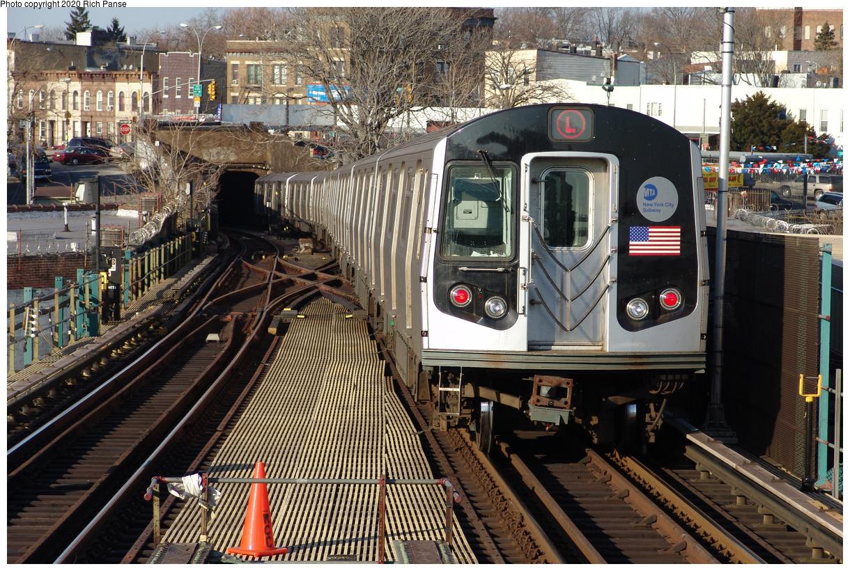 (629k, 1220x820)<br><b>Country:</b> United States<br><b>City:</b> New York<br><b>System:</b> New York City Transit<br><b>Line:</b> BMT Canarsie Line<br><b>Location:</b> Broadway Junction<br><b>Route:</b> L<br><b>Car:</b> R-143 (Kawasaki, 2001-2002)  <br><b>Photo by:</b> Richard Panse<br><b>Date:</b> 1/1/2005<br><b>Viewed (this week/total):</b> 5 / 407