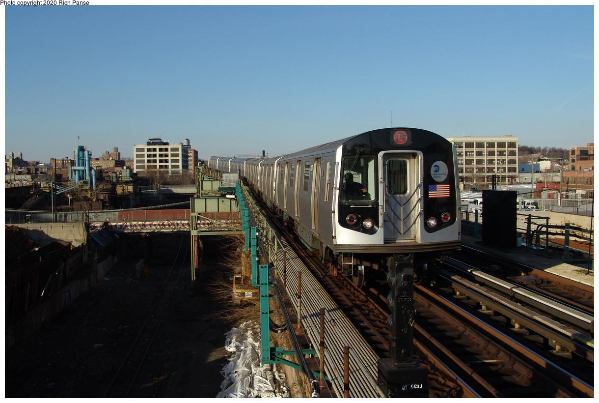 (430k, 1220x820)<br><b>Country:</b> United States<br><b>City:</b> New York<br><b>System:</b> New York City Transit<br><b>Line:</b> BMT Canarsie Line<br><b>Location:</b> Sutter Avenue<br><b>Route:</b> L<br><b>Car:</b> R-143 (Kawasaki, 2001-2002)  <br><b>Photo by:</b> Richard Panse<br><b>Date:</b> 1/1/2005<br><b>Viewed (this week/total):</b> 2 / 351