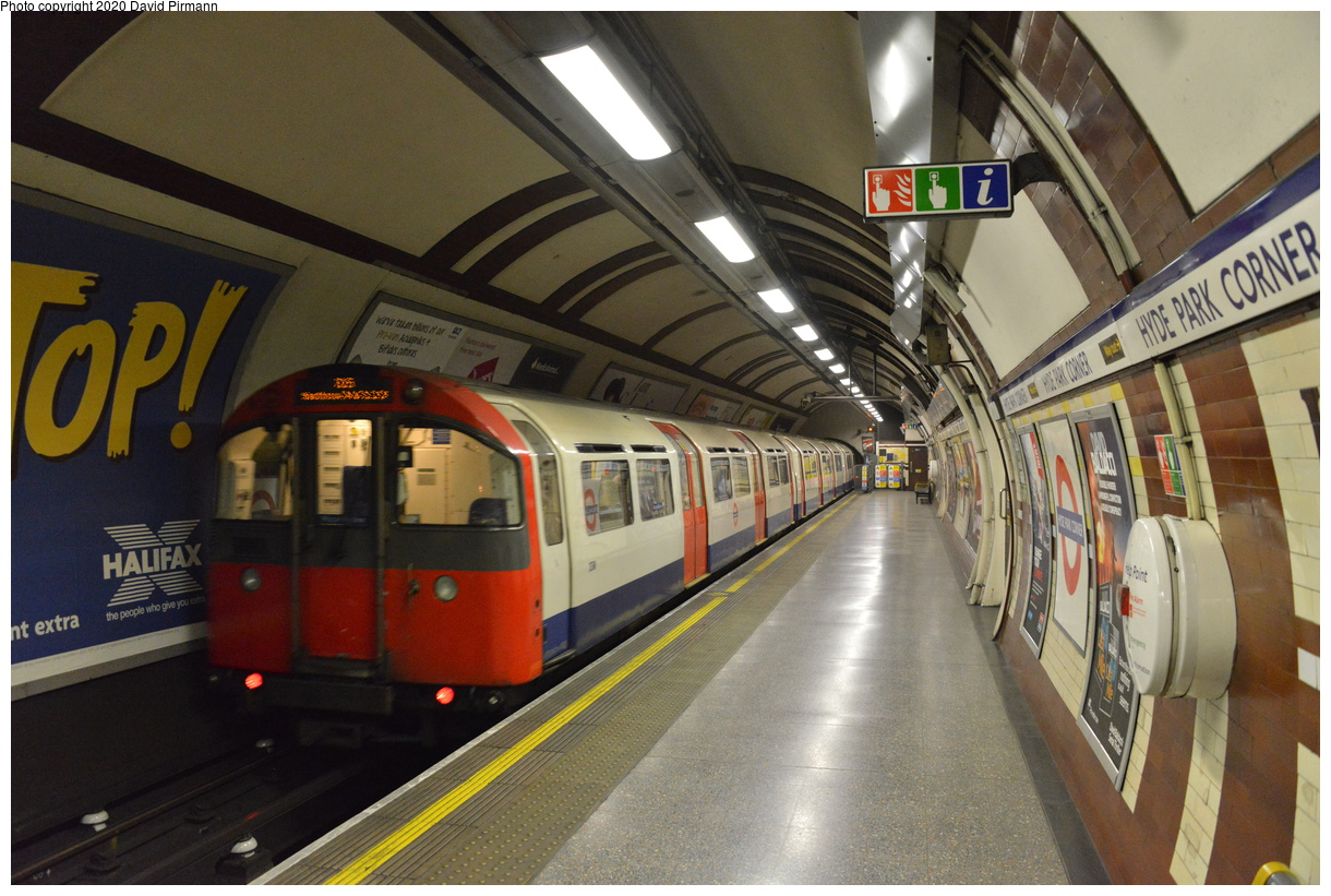 (425k, 1220x821)<br><b>Country:</b> United Kingdom<br><b>City:</b> London<br><b>System:</b> London Underground<br><b>Line:</b> Piccadilly<br><b>Location:</b> Hyde Park Corner<br><b>Car:</b> 1973 Tube Stock  <br><b>Photo by:</b> David Pirmann<br><b>Date:</b> 5/5/2016<br><b>Viewed (this week/total):</b> 0 / 49
