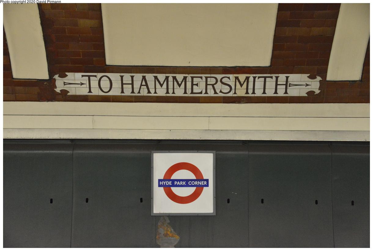 (298k, 1220x821)<br><b>Country:</b> United Kingdom<br><b>City:</b> London<br><b>System:</b> London Underground<br><b>Line:</b> Piccadilly<br><b>Location:</b> Hyde Park Corner<br><b>Photo by:</b> David Pirmann<br><b>Date:</b> 5/5/2016<br><b>Viewed (this week/total):</b> 0 / 46