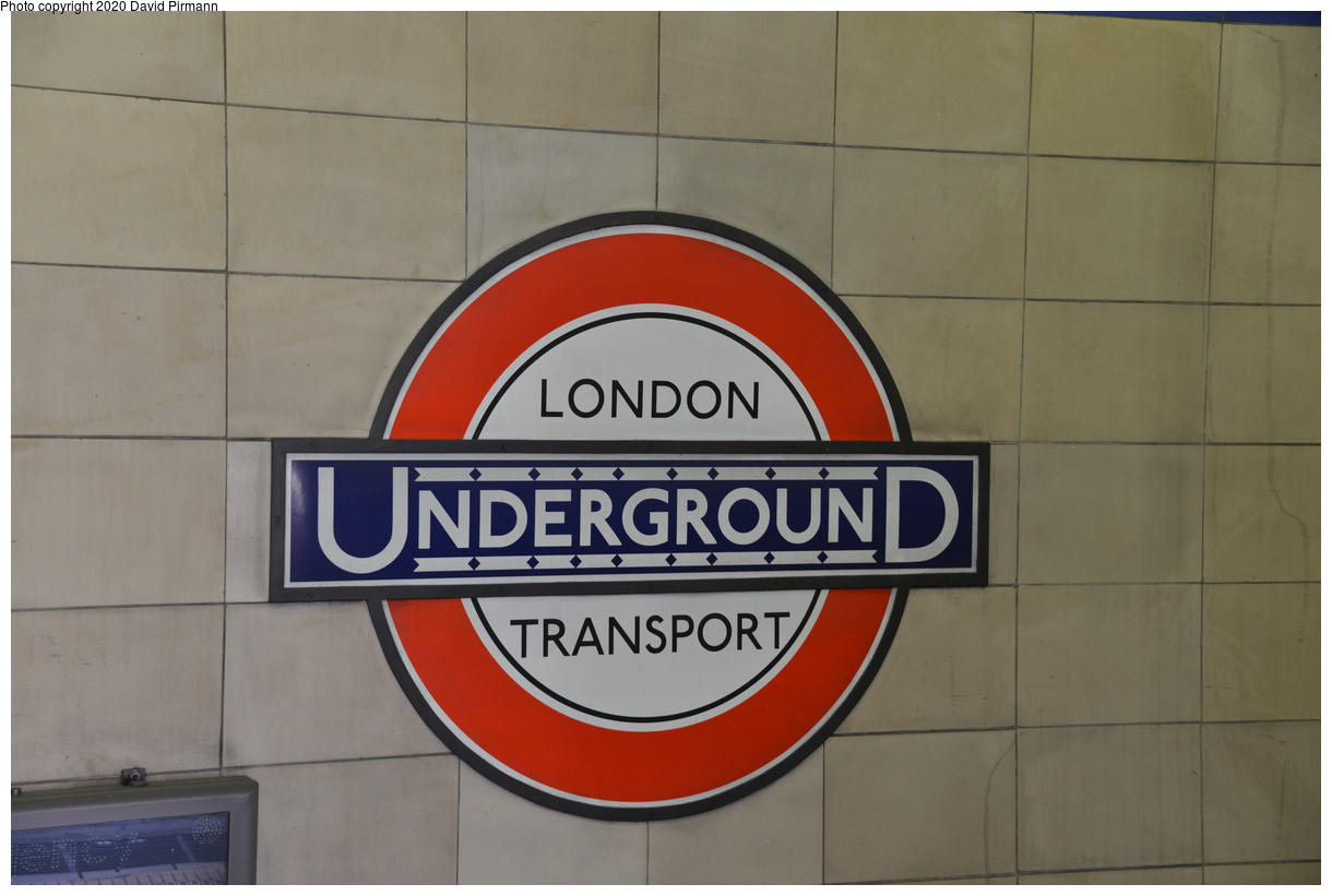 (277k, 1220x821)<br><b>Country:</b> United Kingdom<br><b>City:</b> London<br><b>System:</b> London Underground<br><b>Line:</b> District<br><b>Location:</b> Aldgate East<br><b>Photo by:</b> David Pirmann<br><b>Date:</b> 5/5/2016<br><b>Viewed (this week/total):</b> 0 / 61