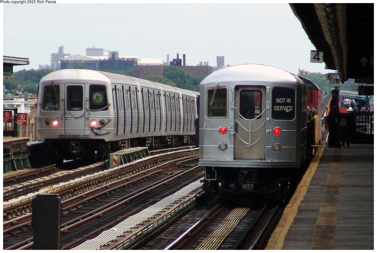 (439k, 1220x820)<br><b>Country:</b> United States<br><b>City:</b> New York<br><b>System:</b> New York City Transit<br><b>Line:</b> BMT Culver Line<br><b>Location:</b> Avenue I<br><b>Route:</b> G<br><b>Car:</b> R-46 (Pullman-Standard, 1974-75)  <br><b>Photo by:</b> Richard Panse<br><b>Date:</b> 7/25/2004<br><b>Notes:</b> With R-127 work train<br><b>Viewed (this week/total):</b> 5 / 234