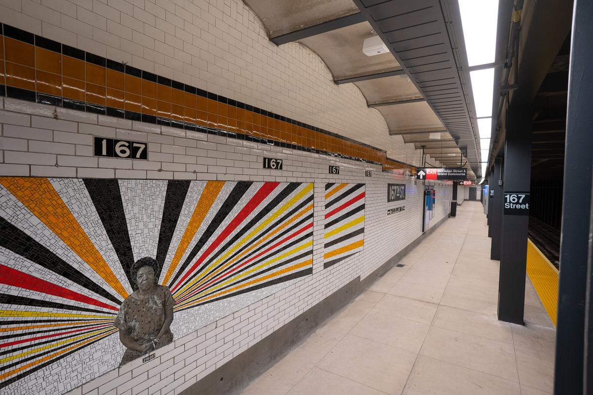 (484k, 1200x800)<br><b>Country:</b> United States<br><b>City:</b> New York<br><b>System:</b> New York City Transit<br><b>Line:</b> IND Concourse Line<br><b>Location:</b> 167th Street<br><b>Photo by:</b> Ovoke Ukpokpo / Metropolitan Transportation Authority<br><b>Date:</b> 1/10/2019<br><b>Artwork:</b> <i>Beacons</i>, Rico Gatson, 2019<br><b>License:</b> <a href=https://creativecommons.org/licenses/by/2.0/>Creative Commons Attribution 2.0 Generic</a> via Flickr<br><b>Viewed (this week/total):</b> 4 / 341