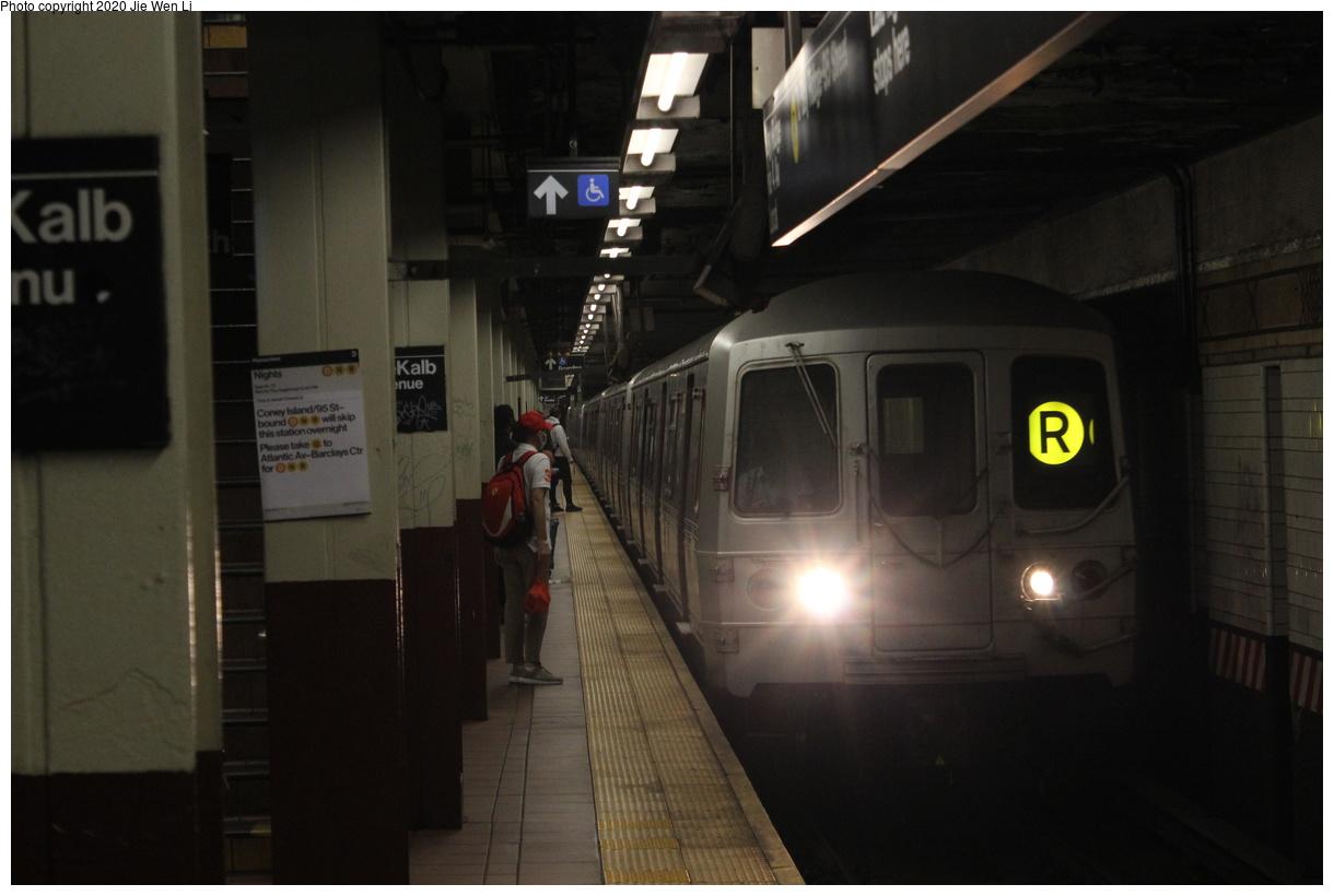 (268k, 1220x820)<br><b>Country:</b> United States<br><b>City:</b> New York<br><b>System:</b> New York City Transit<br><b>Line:</b> BMT 4th Avenue Line<br><b>Location:</b> DeKalb Avenue<br><b>Route:</b> R<br><b>Car:</b> R-46 (Pullman-Standard, 1974-75) 5608 <br><b>Photo by:</b> Jie Wen Li<br><b>Date:</b> 9/16/2020<br><b>Viewed (this week/total):</b> 6 / 557