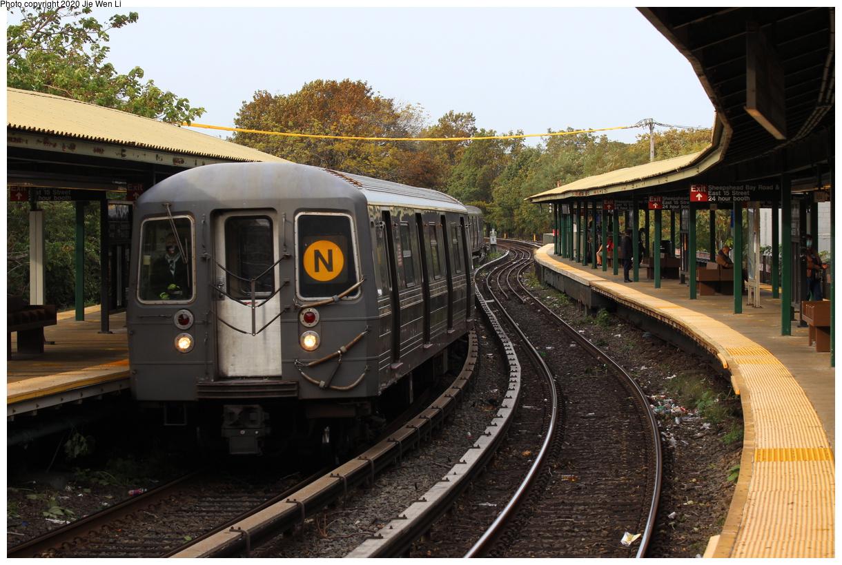 (456k, 1220x820)<br><b>Country:</b> United States<br><b>City:</b> New York<br><b>System:</b> New York City Transit<br><b>Line:</b> BMT Brighton Line<br><b>Location:</b> Sheepshead Bay<br><b>Route:</b> N<br><b>Car:</b> R-68 (Westinghouse-Amrail, 1986-1988) 2768 <br><b>Photo by:</b> Jie Wen Li<br><b>Date:</b> 10/10/2020<br><b>Notes:</b> Weekend reroute.<br><b>Viewed (this week/total):</b> 2 / 267