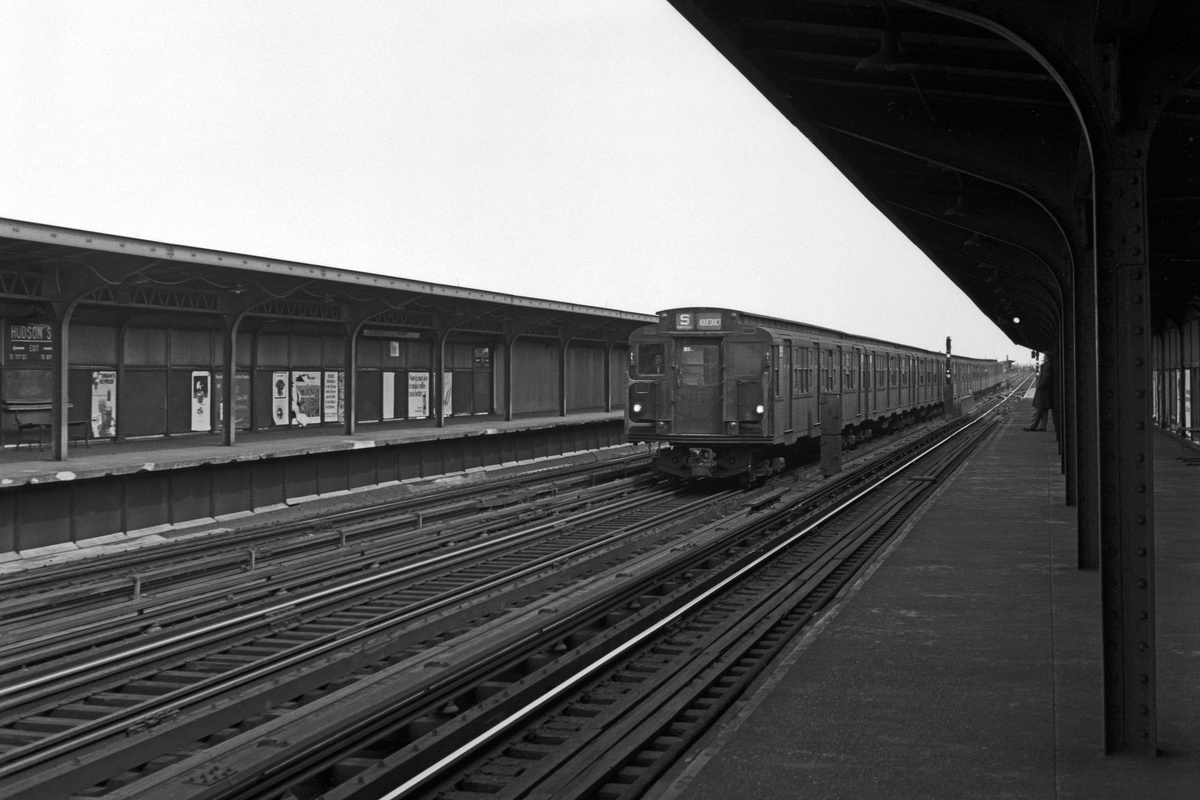 (295k, 1200x800)<br><b>Country:</b> United States<br><b>City:</b> New York<br><b>System:</b> New York City Transit<br><b>Line:</b> IND Fulton Street Line<br><b>Location:</b> 80th Street-Hudson Street<br><b>Route:</b> Aqueduct Special<br><b>Car:</b> R-1/R-9 Series  <br><b>Collection of:</b> David Pirmann<br><b>Date:</b> 3/27/1970<br><b>Viewed (this week/total):</b> 2 / 343